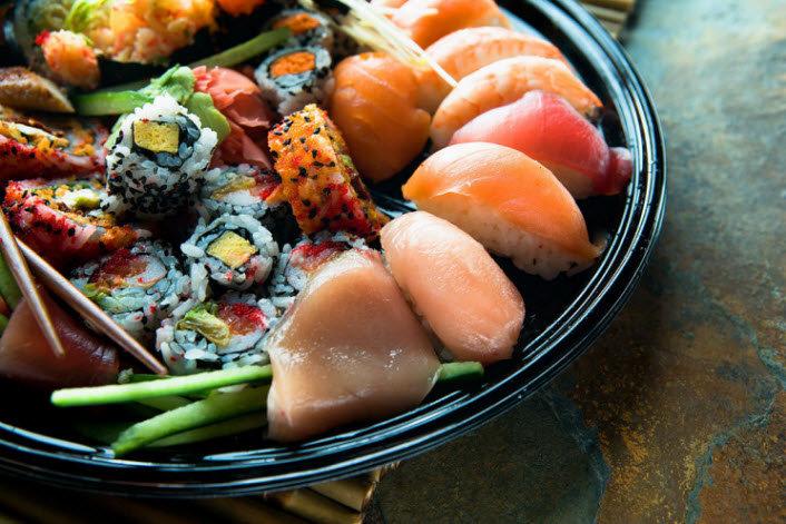 ramens takoyaki sushis