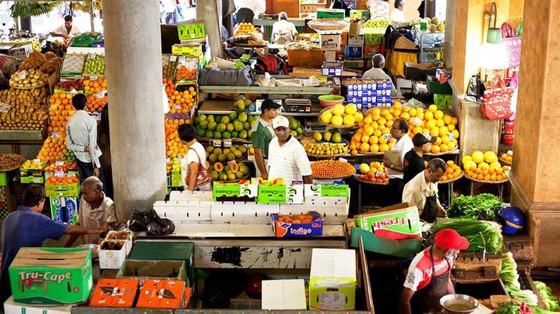 Port-Louis. La capitale et son marché