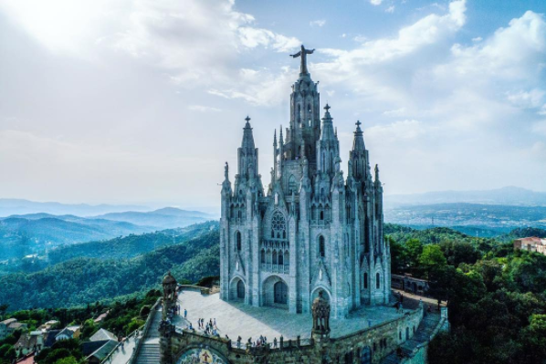 It's called Temple Expiatori del Sagrat Cor and it's built all the way on top of Mount Tibidabo. Talk about #views.